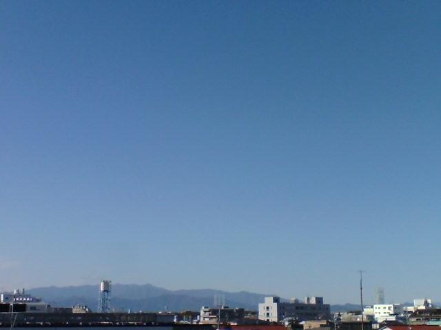 雲ひとつない青空